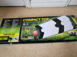 Vivarium canopy hood with bulbs never used