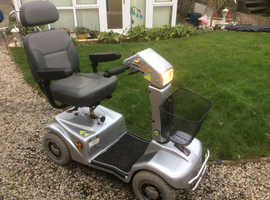 6 mph mobility scooter with captains chair in VGC
