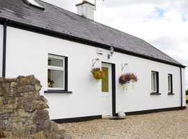 3 Bed traditional Irish Cottage with 12 Acres, Seaviews and Short Walk to Empty World Class beaches