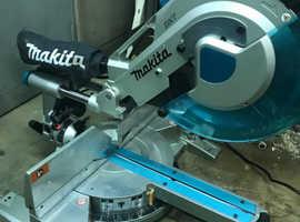 Makita compound mitre saw