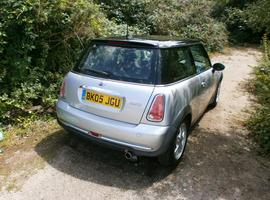 Mini Cooper, 2005 (05) silver hatchback, Cvt Petrol, 103,000 miles