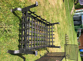 Large fire grate / log basket & accompanying fire screen