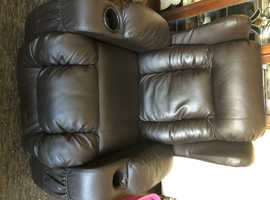 Lovely comfortable recliner