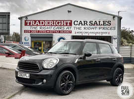 2013/63 Mini Countryman 1.6 Cooper finished in Phantom Black Metallic. , 44023 miles