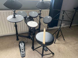 Electric Drum Kit Tourtech 12S - Great for beginners - Stool, Sticks, Music Stand