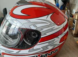 Duchinni crash helmet