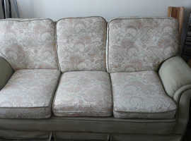 """""FREE""    Three Seeter Setee  very Comfortable ,  Not Too Bad Condition"