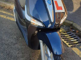 Piaggio LIBERTY Fly 125cc ABS Midnight Blue. Very low mileage
