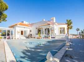 Blue Lagoon, Villamartin, Costa Blanca Very Nice Furnished  3 Bed 3 Bath Detached Villa with Pool