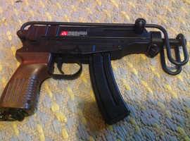 Tokyo Marui Spring Vz61 Scorpion (High Grade) air soft gun