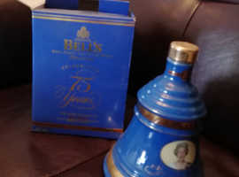 Vintage Bell's whisky Decanter Wade Full