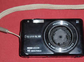Fujifilm 'Finepix JX660' 16MP Digital Camera (broken lens)