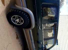 Isuzu Trooper, 2001 (Y) Green estate, Manual Diesel, 71000 miles