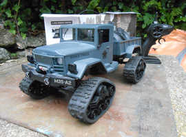 4 Wheel  Drive 2.4Ghz R / C 1:16th scale High Speed  Military Off-Road Vehicle + 4 wheel trailer.