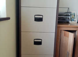 TWO-TONE METAL FILING CABINET IN EXCELLENT CONDITION