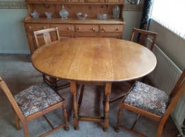 Small Solid Oak Collapsable Dining Table with Oak Chairs