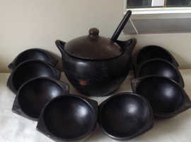 Casserole bowl and dishes