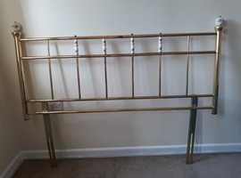 Metal bed headboard with pretty rose theme