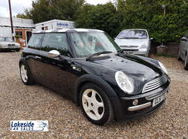 Mini Cooper 1.6 Litre 3 Door Hatchback, Lovely Condition, Drives Superb, Will Come With a New 12 Month MOT.
