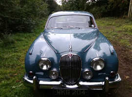 JAGUAR MK2..1960. .MANUAL WITH OVERDRIVE. .2.4.  The FAB 60s!