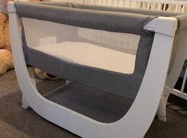 Shnuggle Air Bedside Crib £100 ONO *needs gone*