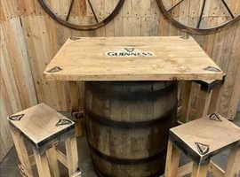 Somerset barrel table