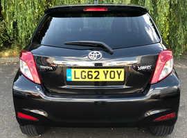 Toyota Yaris, 2012 (62) Black Hatchback, Manual Petrol, 53,392 miles