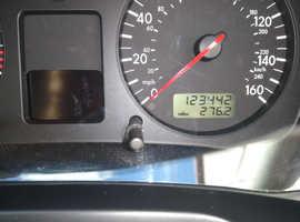 Volkswagen Golf, 2003 (03) Silver Hatchback, Manual Diesel, 123,442 miles