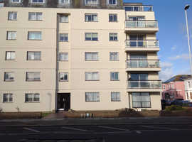 WORTHING 3 bedroom Seafront flat