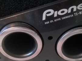 Pioneer Car Subwoofer with built in amp. TS WX205a