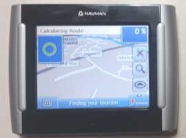 Navman S30 3D Sat Nav Navigator GPS  UK, Ireland Maps + Charger, USB cable