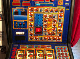 Cops n robbers fruit machine gold club