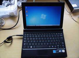 """Samsung 10"""" Netbook."""