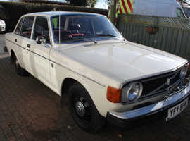 Volvo 144 DL AUTO, 1974 (M) white saloon, Automatic Petrol, 44580 miles