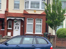 3 bedroom house to rent Highams park Chingford £1600 pcm ready in June phone Peter 07435.569384