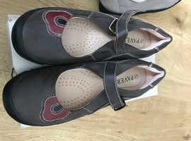 Ladies Paver Shoes