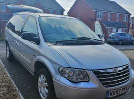 Chrysler Voyager, 2008 (57) Silver MPV, Automatic Diesel, 130,000 miles