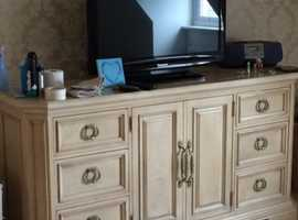 Exceptional Stanley sideboard unit