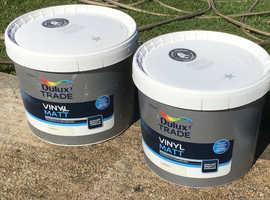 2 NEW 10 litre tubs magnolia paint. DULUX Trade vinyl Matt emulsion. Bargain !