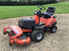 Ride on Simplicity Lancer mower. Hydrostatic 15hp Briggs & Stratton