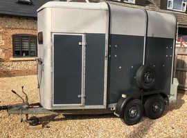 Ifor Williams HB505 Horsebox Trailer