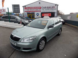 Skoda Octavia, 2010 (10) Green Estate, Manual Diesel, 84,257 miles