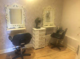 Hairdressers studio to rent