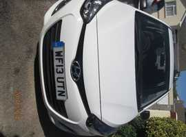 Hyundai i20, 2013 (13) White Hatchback, Manual Petrol, 38,000 miles