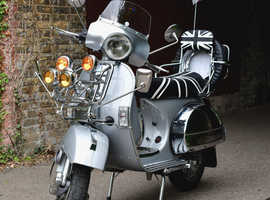 Vespa / LML / Star Deluxe / 125 CC / 2004 / Hardly Used / Mint Condition / Silver / Chrome + More