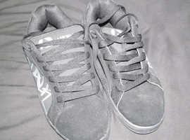 Airwalk skate shoes
