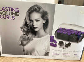 Baylis Heated rollers. Ceramic infused rollers for smoothness and shine