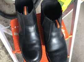 Workforce black slip on satiety boot size 8