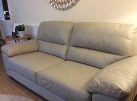 Grey 3 seater leather sofa in vgc!! Unused!