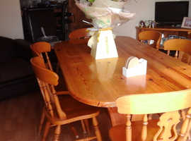Hand crafted solid pine tabl with 6 solid oak chairs to match